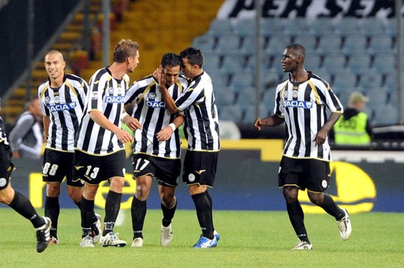 UDINE, ITALY - OCTOBER 02:  Mehdi Benatia of Udinese celebrate the winning goal during the Serie A match between Udinese Calcio and AC Cesena at Stadio Friuli on October 2, 2010 in Udine, Italy.  (Photo by Roberto Serra/Getty Images)