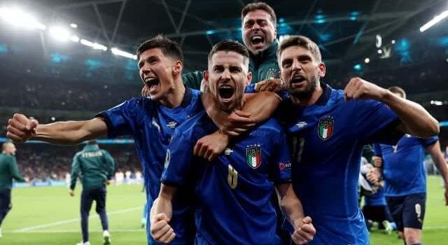 Ιταλια - Αγγλια προγνωστικα στοιχημα euro